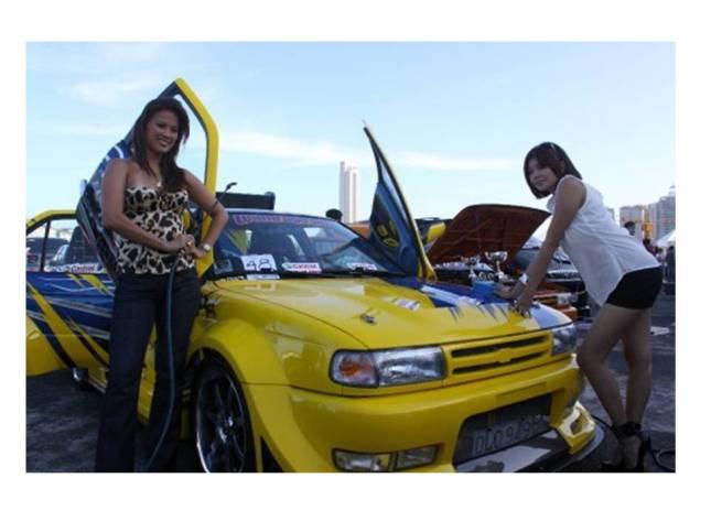 Andrea Del Rosario at the Castrol Car Show